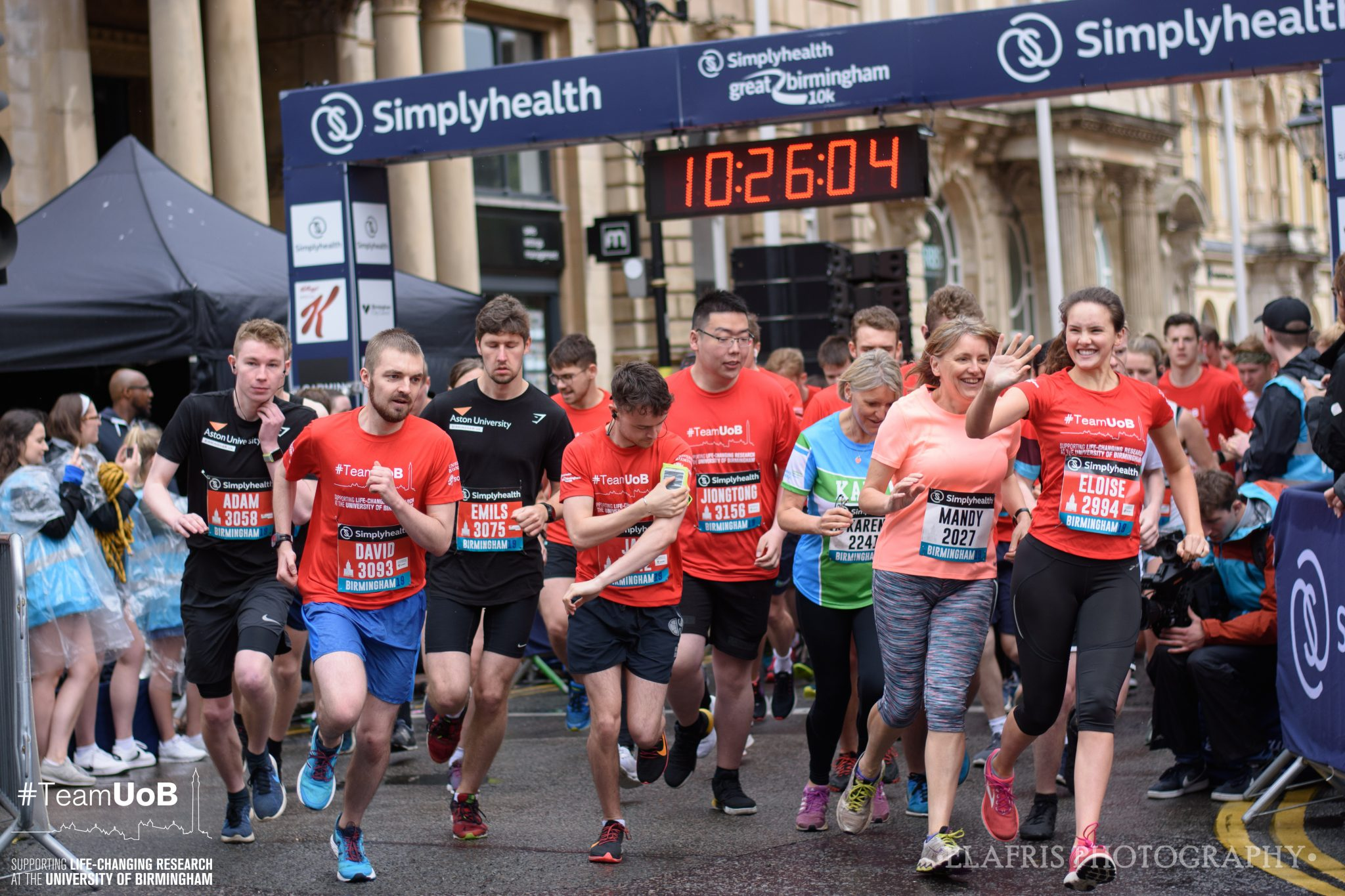 A group of runners running the Great Birmingham 10k