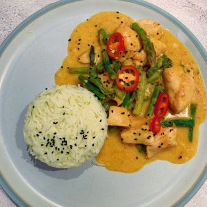 Valentine's Day main, rice and thai red curry